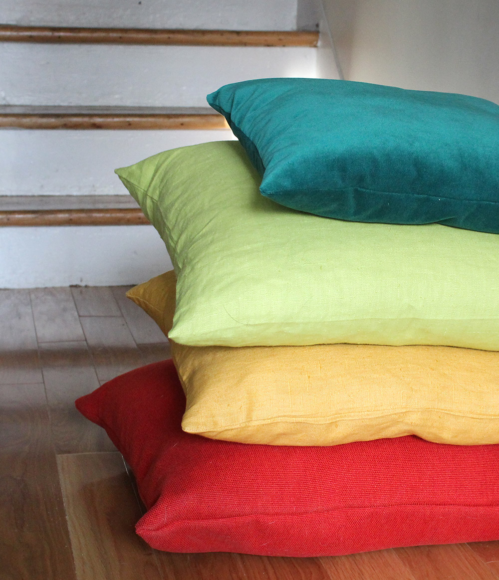 sheyhome_pillows-stack2